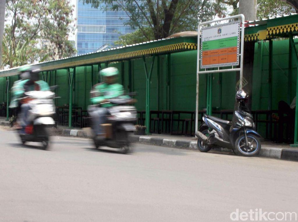 Melihat Trotoar Khusus PKL di Kuningan Jakarta