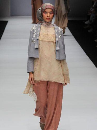 'Hijab Street Style' Akan Kaprikornus Tren di 2019, Sudah Punya?