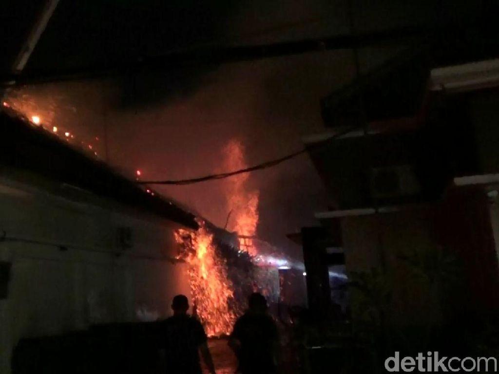 Hotel di Pasuruan Terbakar, Ruang Fitnes Ludes Dilalap Api