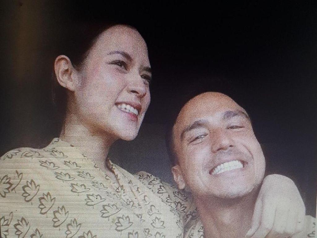 Unyu Banget! Hamish Daud Tempelkan Telinga ke Perut Raisa