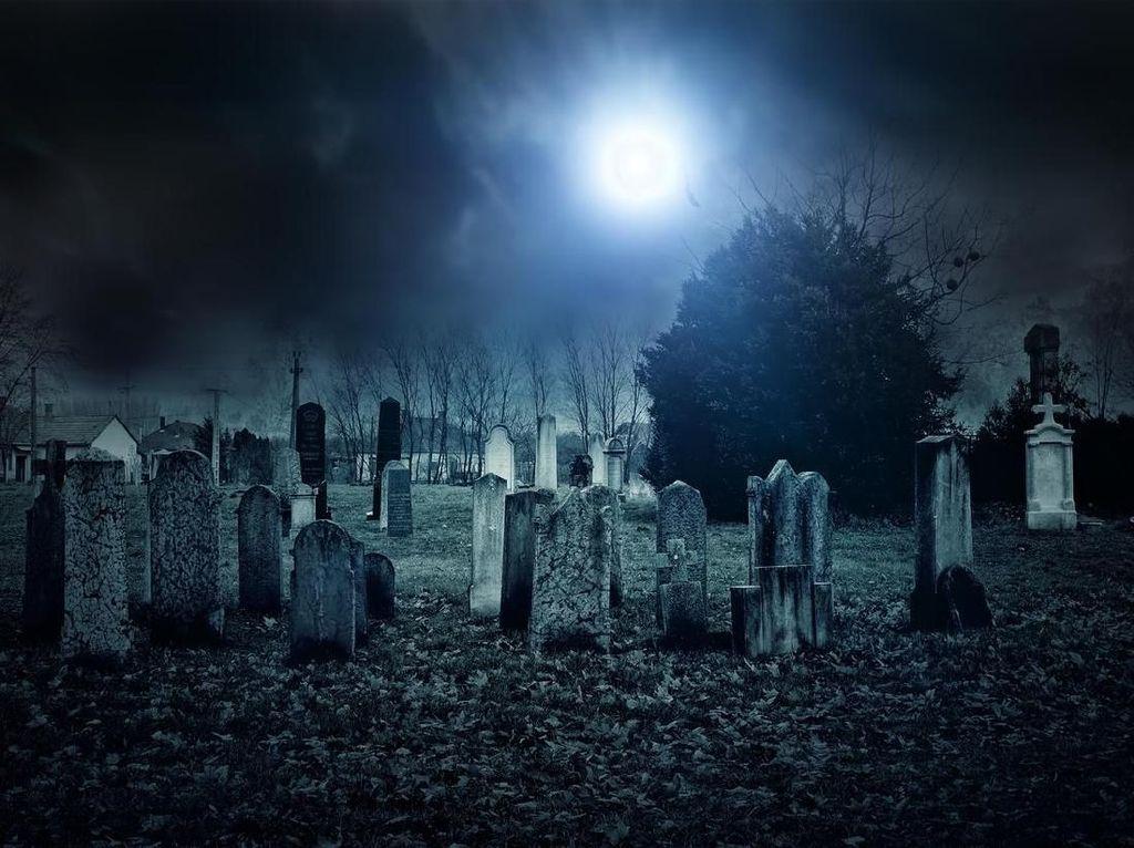 Heboh di Jepang, Ada Batu Melayang-layang di Kuburan