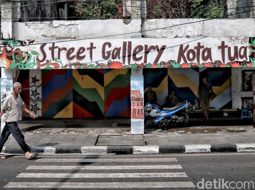 Warna-warni Mural Percantik Kota Tua