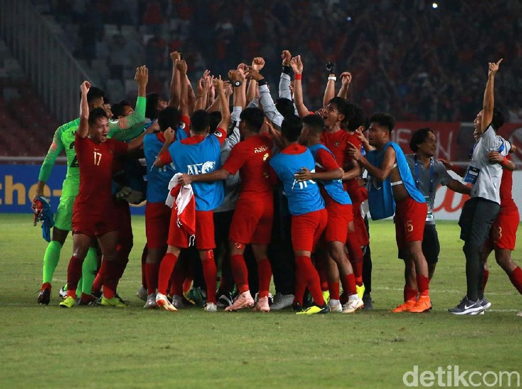 Indonesia Lolos, Tangis Bahagia Pecah di GBK