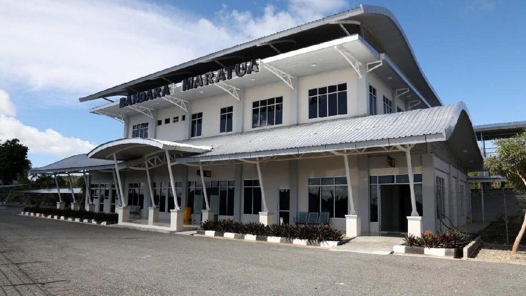 Melihat Bandara Maratua di Pulau Terdepan Indonesia