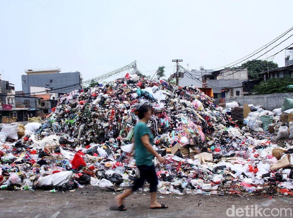 Imbas Kisruh Bantargebang, Sampah di Tamansari Menggunung