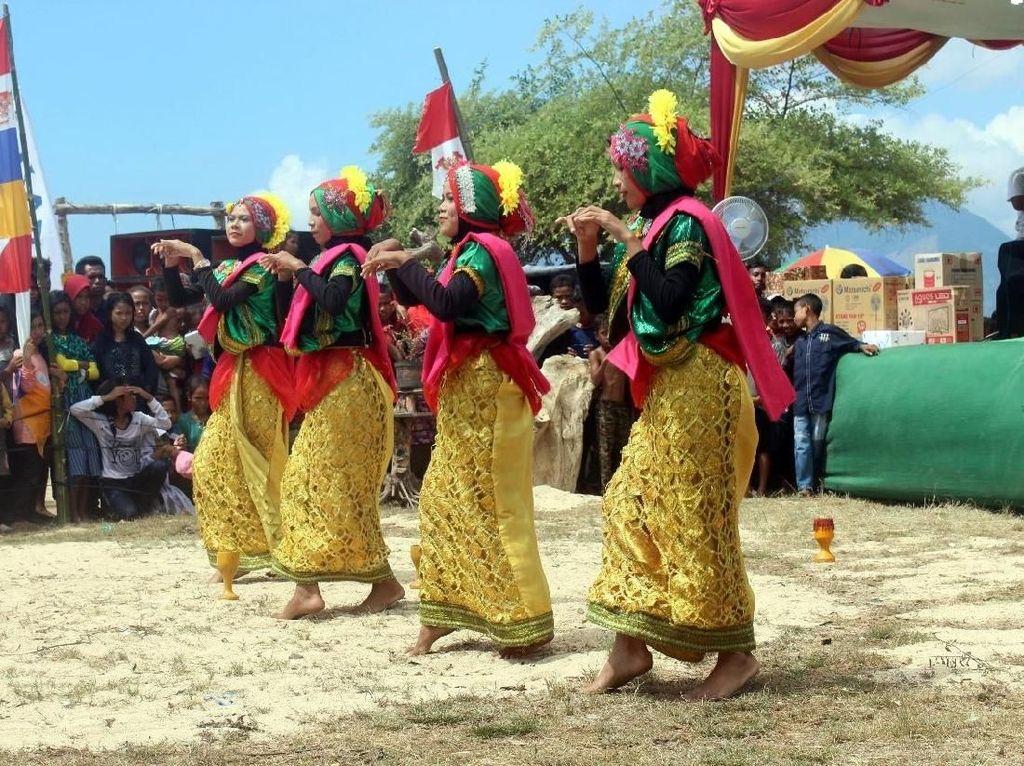 Potret Atraksi Budaya Suku Mbojo di Bima yang Fotogenik