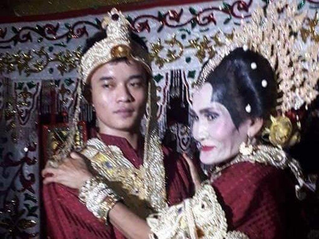 Cerita Hebohnya Pernikahan Pemuda dan Perempuan 65 Tahun di Sulsel