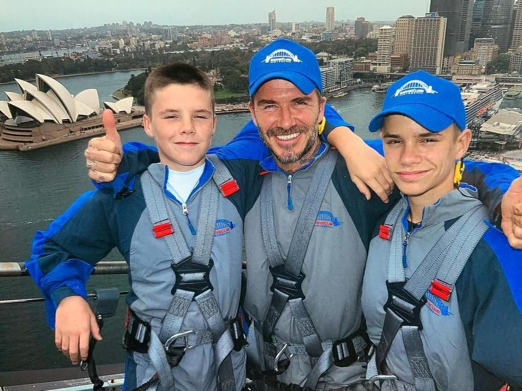 Berani! David Beckham Ajak 2 Anaknya Mendaki Jembatan di Sydney