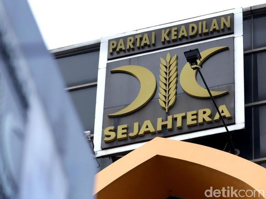 PKS Minta Masyarakat Percaya Pemerintah soal Kasus Habib Rizieq