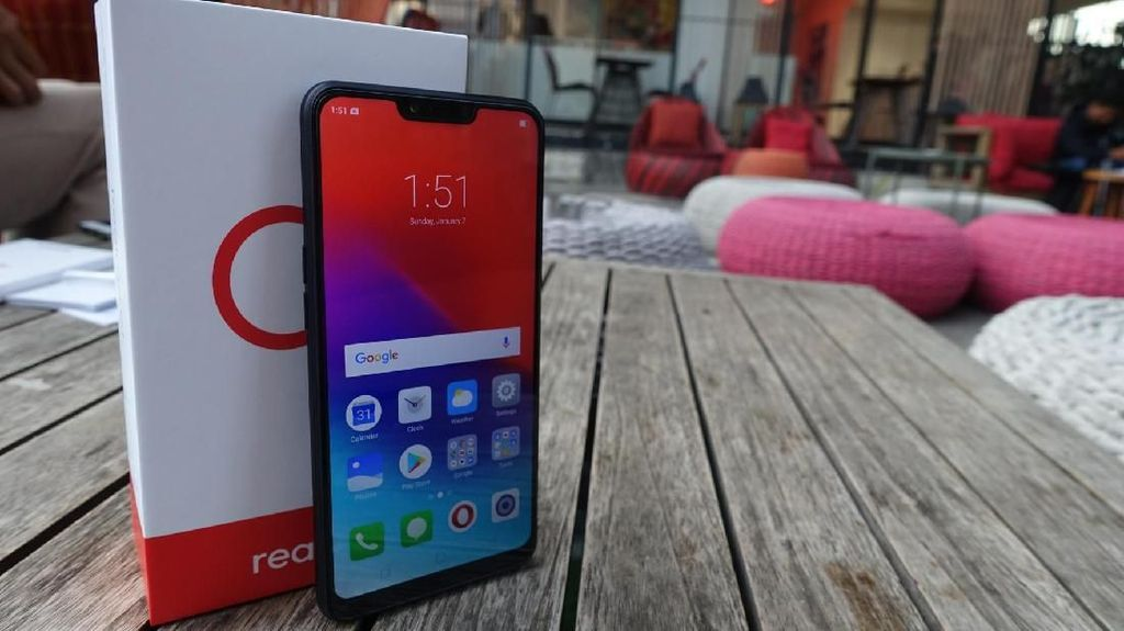 Unboxing Realme C1, Ponsel Notch Sejutaan