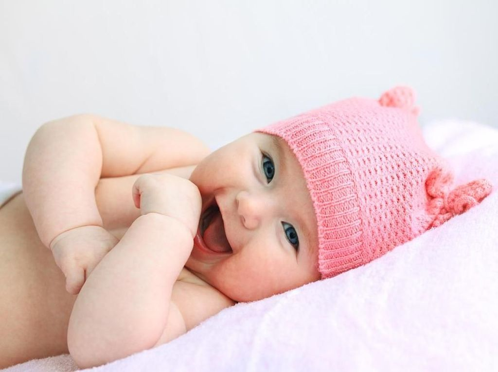 100 Nama Bayi Perempuan Modern Terpopuler di 2021, Lengkap dari A - Z