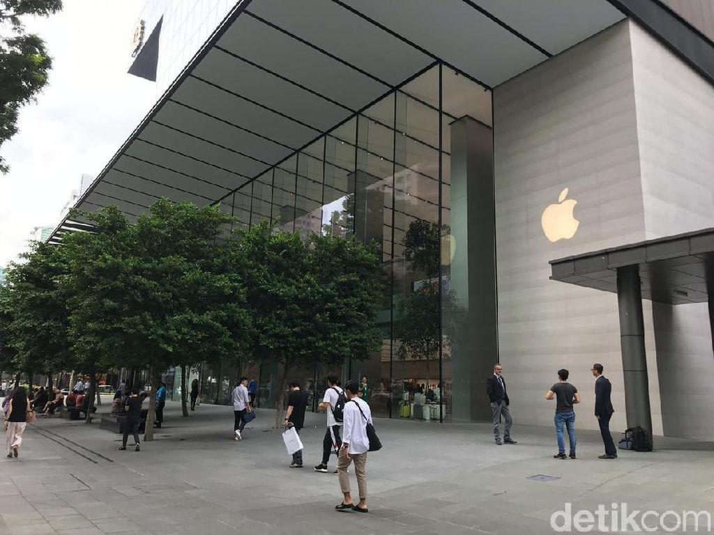 Antrean iPhone XR Kok Sepi Begini?