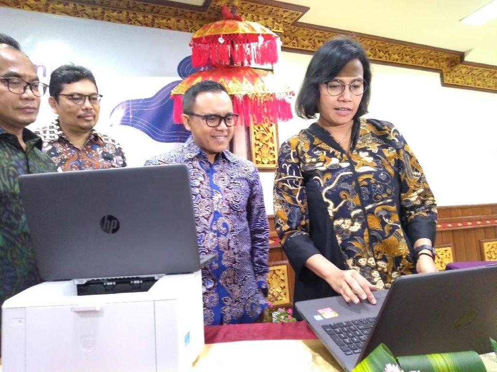 Hibahkan Ratusan Laptop, Sri Mulyani: Siapa Tahu Muncul Jack-Ma RI