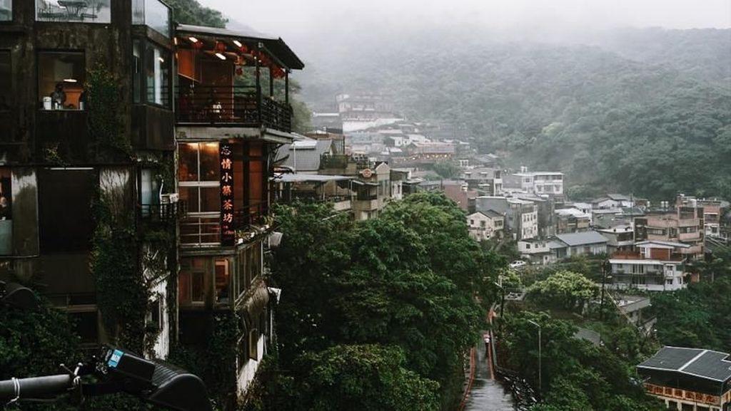 Menyusuri Kota Jiufen, Inspirasi Film Anime Spirited Away