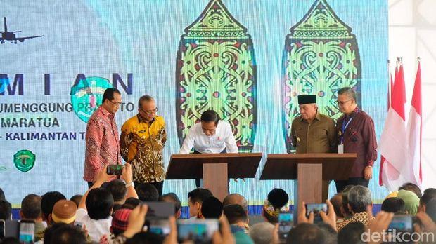 Presiden Jokowi meresmikan Bandara Aji Pangeran Tumenggung (APT) Pranoto Samarinda dan Bandara Maratua