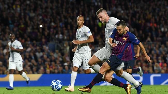 Marco Materazzi menilai Barcelona sekarang tak lagi menakutkan (Foto: David Ramos/Getty Images)