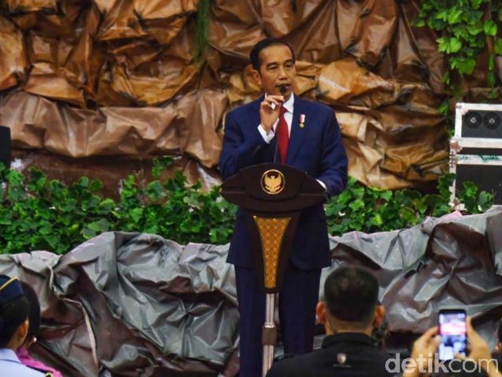Jokowi: Merdeka! Ayo Semangat Bangun Negara