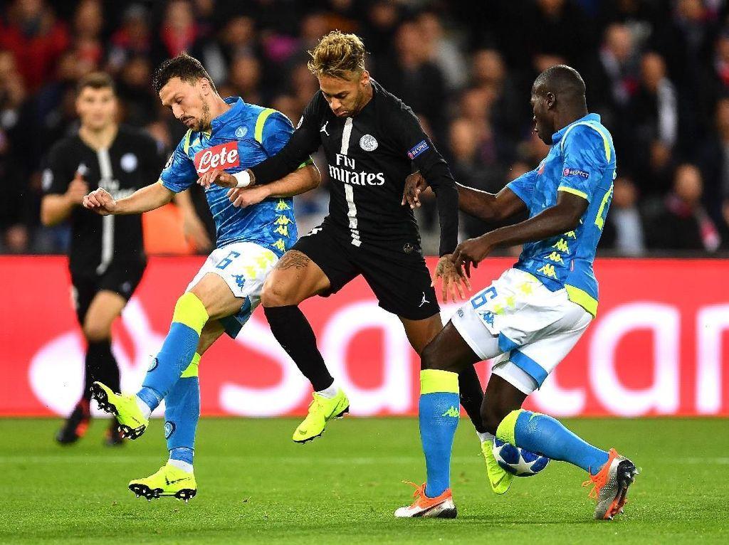 PSG Tertinggal 0-1 dari Napoli di Babak Pertama