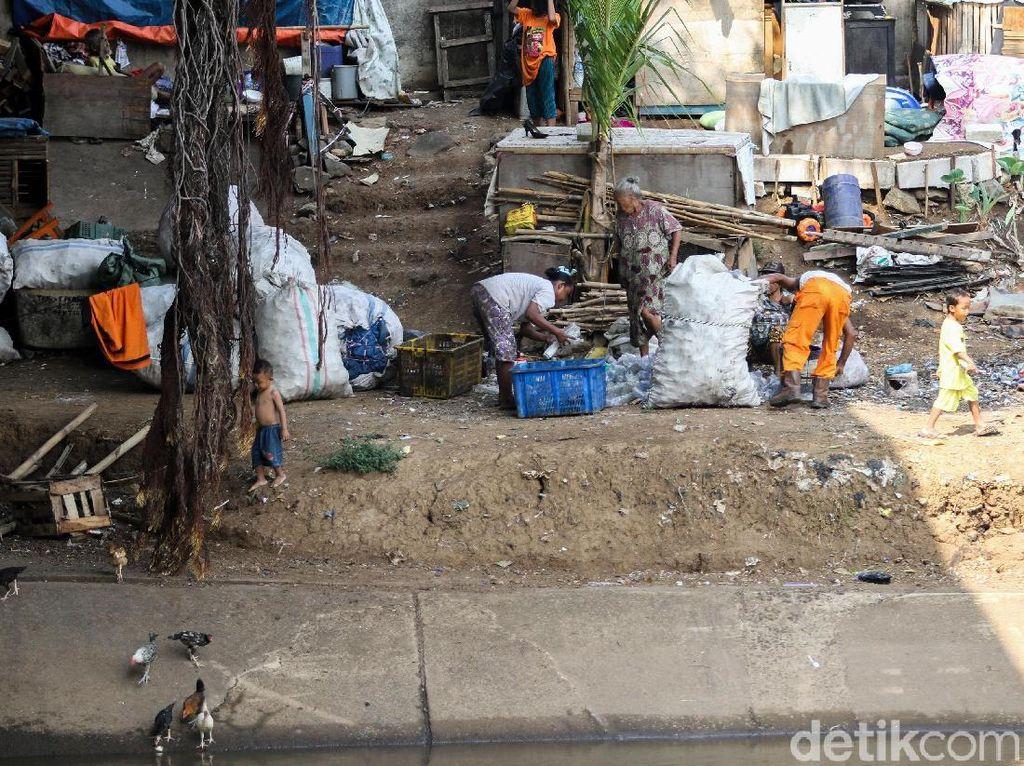Pak Jokowi, Masih Ada 7 Juta Orang Nganggur di RI