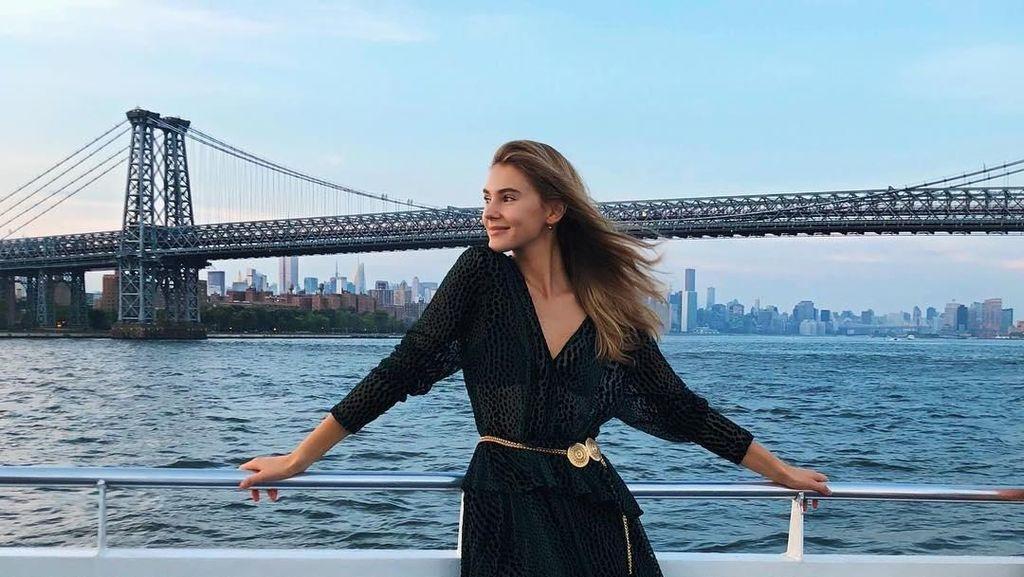Foto: Stefanie Giesinger, Model Cantik Jerman yang Suka Traveling