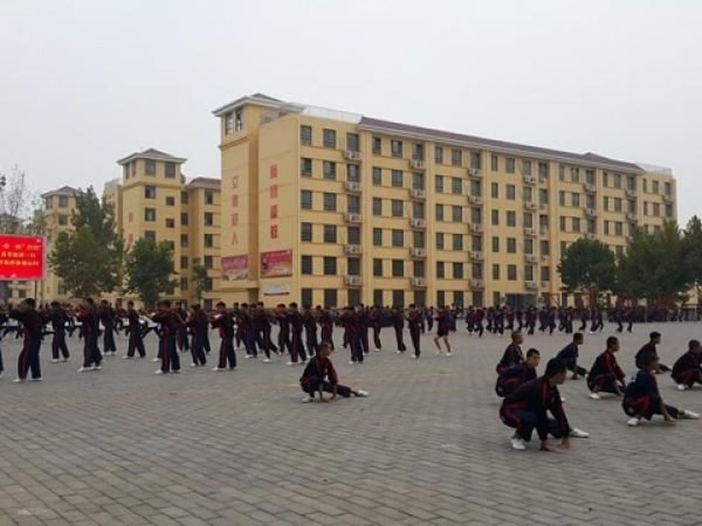 Kuil Shaolin Buka Kelas Kung Fu untuk Orang Asing