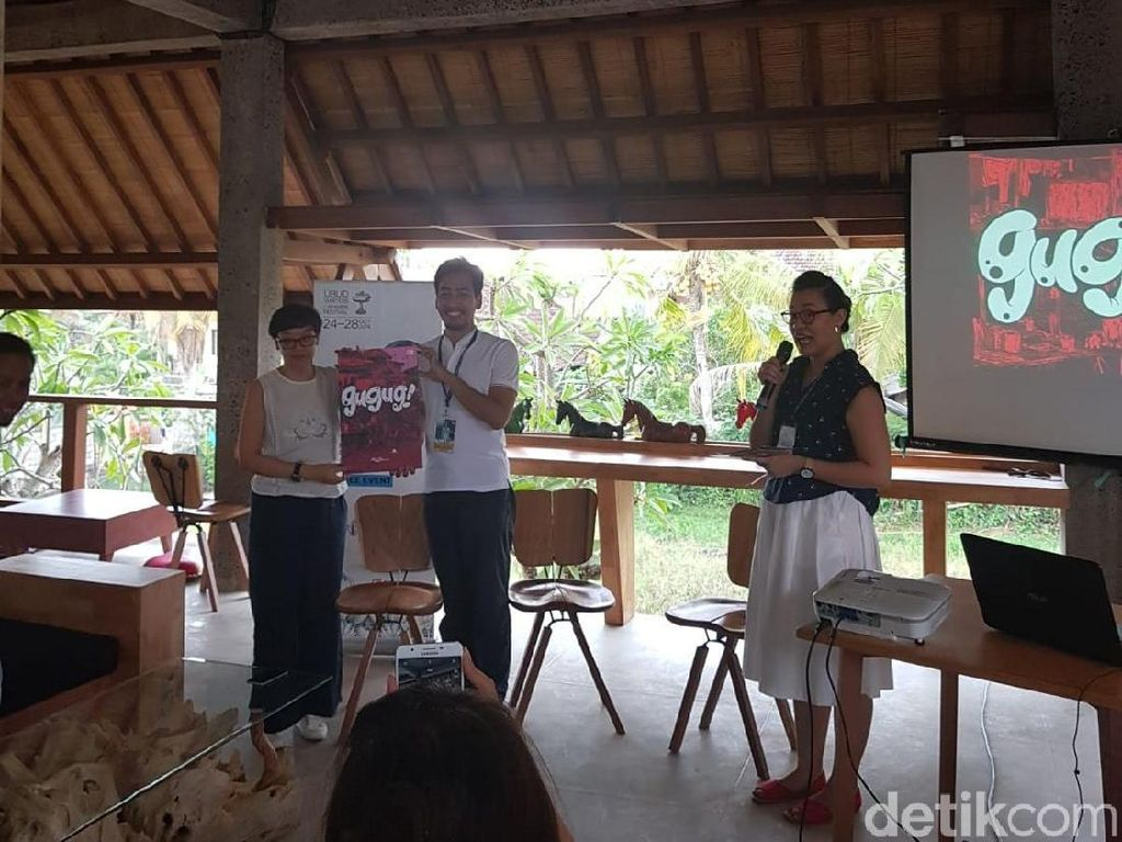 Emte Luncurkan Komik Bisu di Ubud Writers and Readers Festival 2018