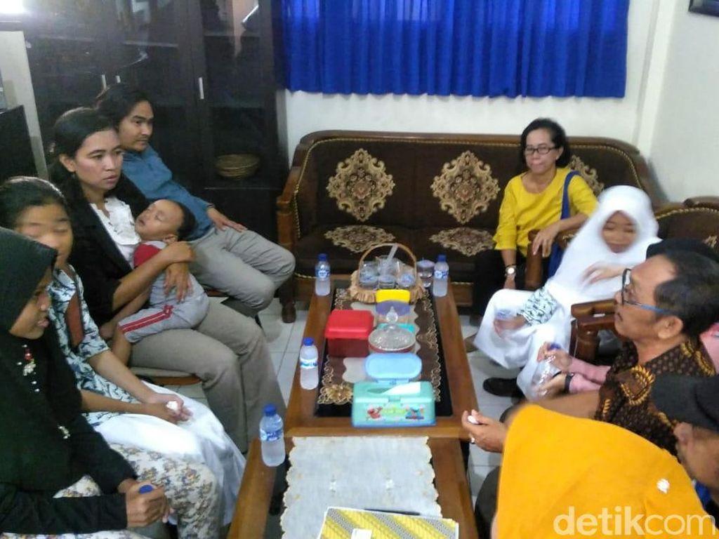 Ortu Minta Klarifikasi Soal Insiden Guru Tampar Siswa di Surabaya