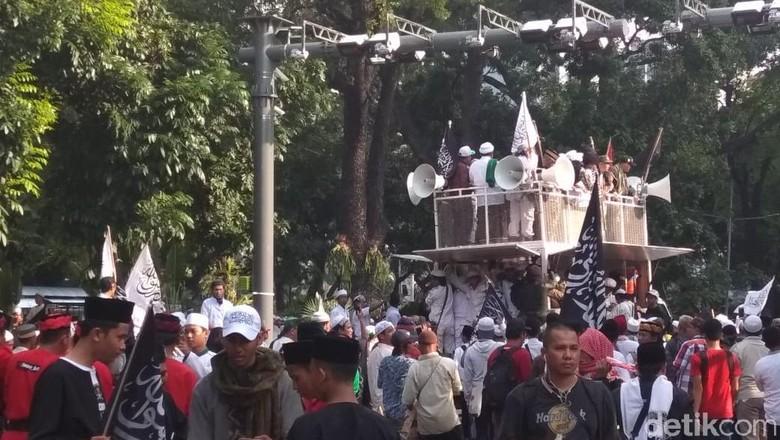 "Yaaa Buka Kedok Sendiri !! Orasi Demo Bela Tauhid Teriak ""2019 Ganti..."""
