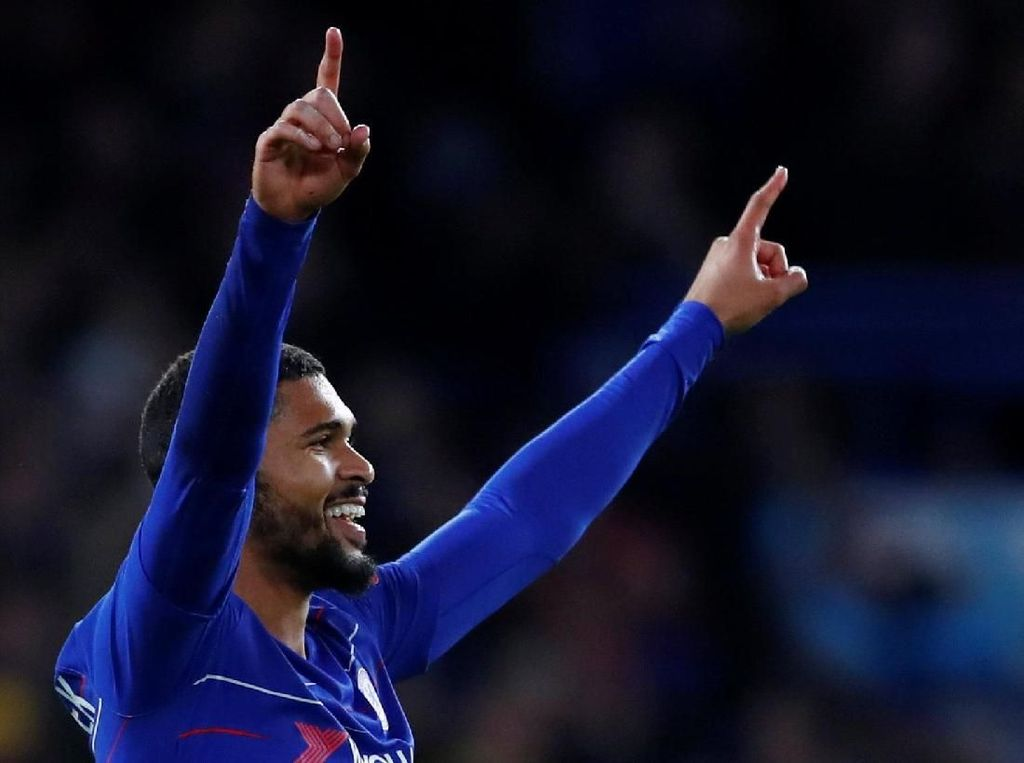 Tiga Gol Loftus-Cheek untuk Memikat Sarri