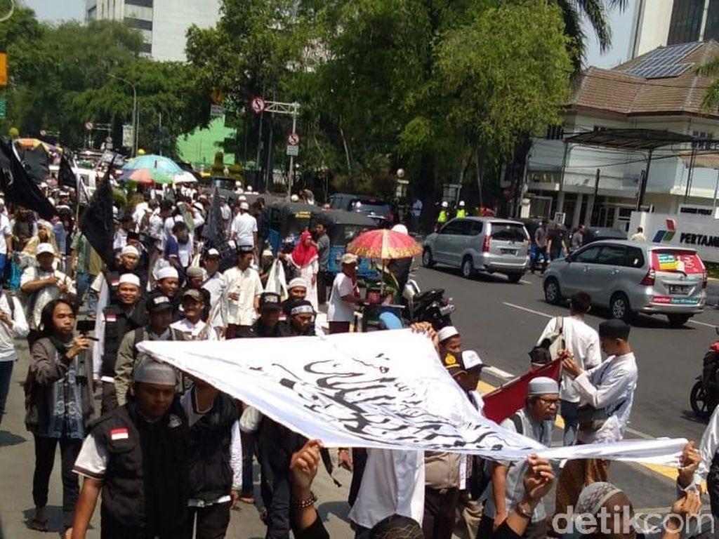 Massa Aksi Bela Tauhid Bergerak ke Kemenko Polhukam
