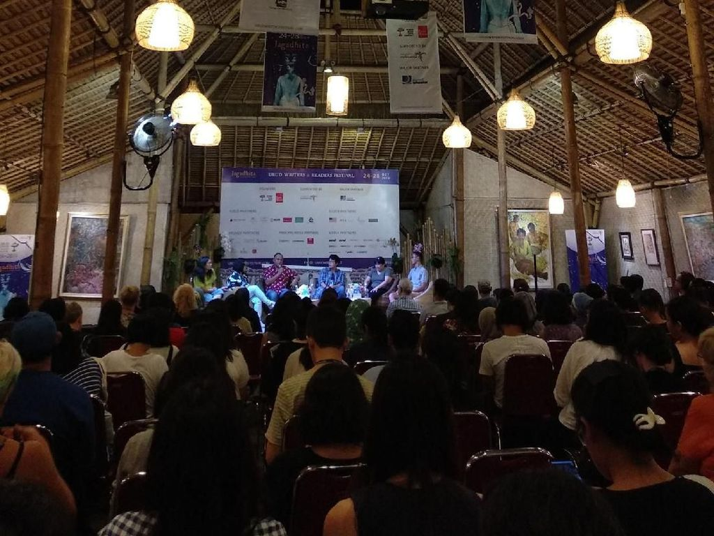 Menyaksikan Laut Bercerita di Ubud Writers and Readers Festival 2018