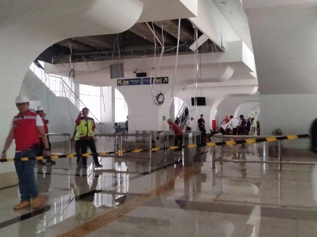 LRT Palembang: Mogok hingga Atap Stasiun Ambrol Diterjang Angin