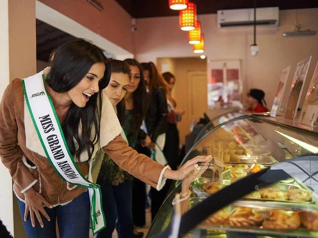 Cantiknya Chef Sekaligus Pemenang Miss Grand International 2018 Saat Masak