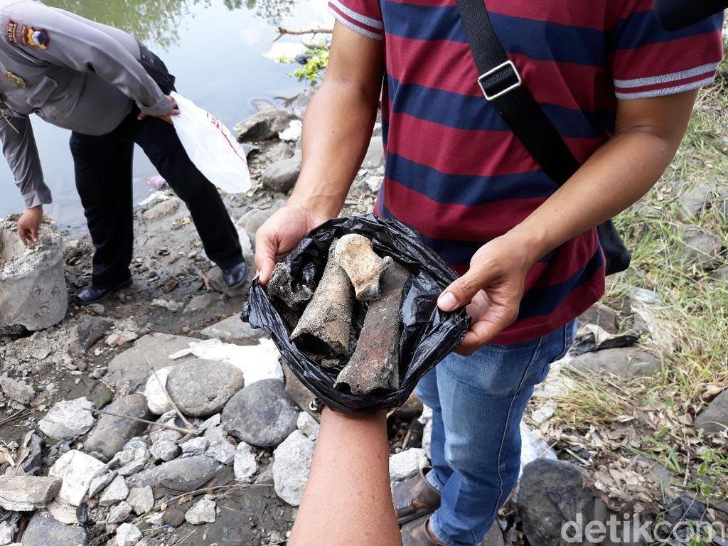 Datangi TKP Mayat Dicor di Drum, Polisi Temukan Tulang Lagi