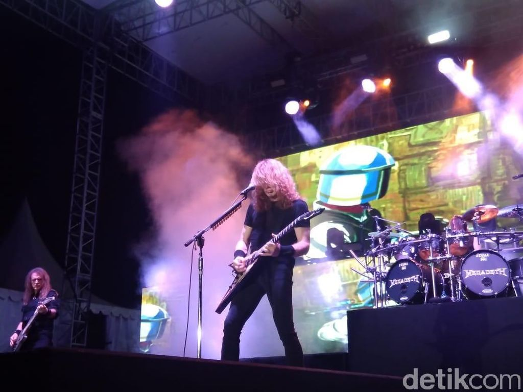 Aksi Memukau Megadeth di JogjaROCKarta 2018