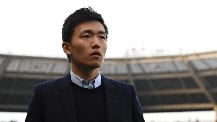 TURIN, ITALY - MARCH 18:  FC Internazionale board member Steven Zhang Kangyang looks on prior to he Serie A match between FC Torino and FC Internazionale at Stadio Olimpico di Torino on March 18, 2017 in Turin, Italy.  (Photo by Valerio Pennicino/Getty Images)