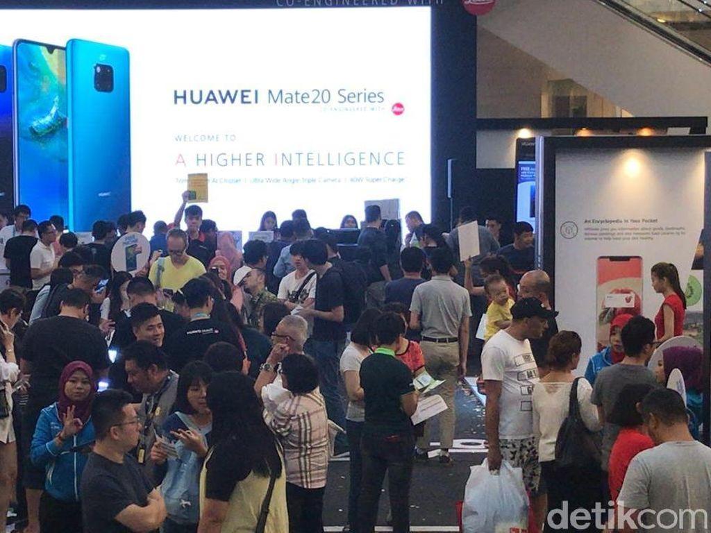 Penjualan Perdana Huawei Mate 20 Pro Ludes Terjual