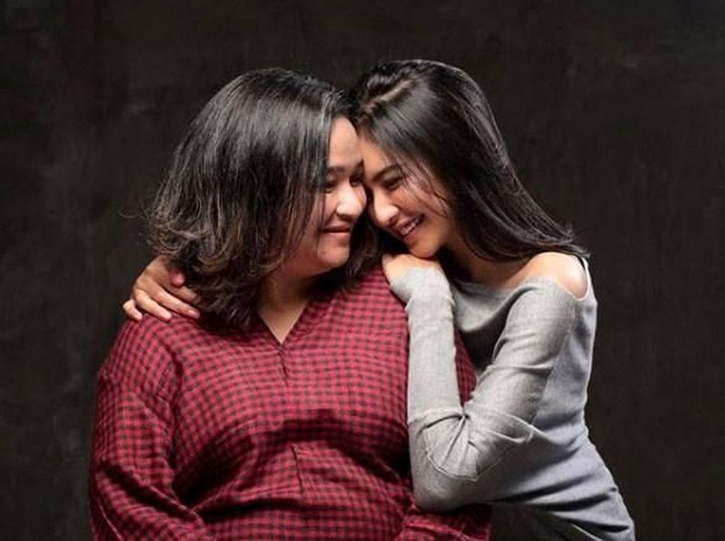 Ibunda Mikha Tambayong Juga Alami Infeksi Paru-paru dan Pencernaan
