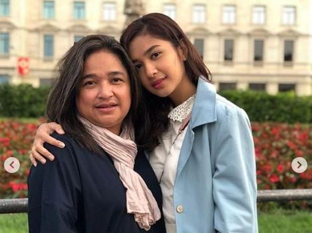 Mikha Tambayong Terpukul Tak Ada di Momen Terakhir Sang Ibu