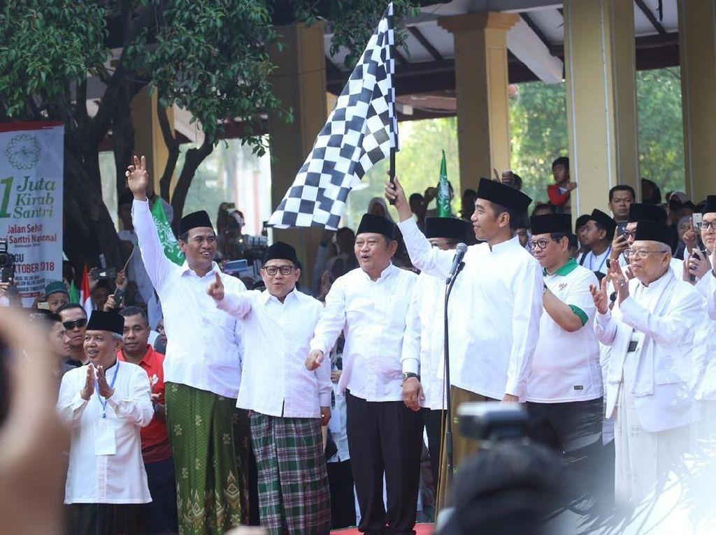 Mentan Dampingi Jokowi Lepas Kirab Santri di Alun-alun Sidoarjo