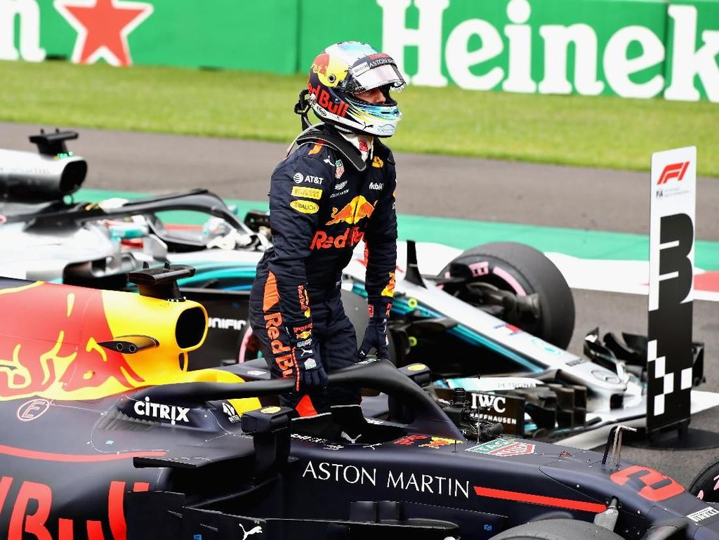 Ricciardo Rebut Pole, Red Bull Start 1-2 di GP Meksiko