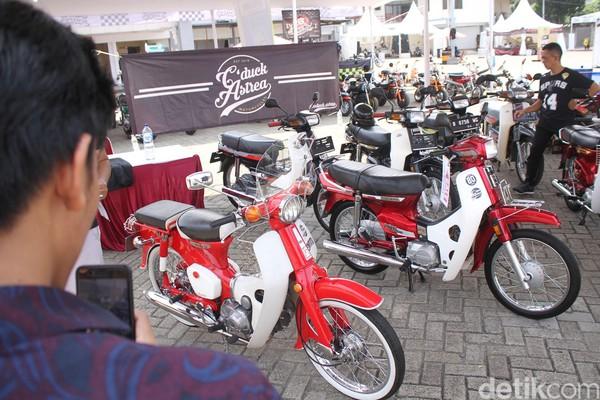 Gambar Modifikasi Sepeda Motor Jadul Motor Bebek Jadul Dijual Dengan Harga Sayang