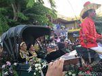 Festival Keraton, Jokowi-Iriana Berpakaian Bagai Raja-Ratu Jawa