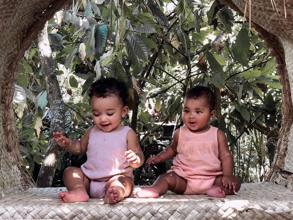 Gemasnya Anak Kim dan Khloe Kardashian Liburan di Bali