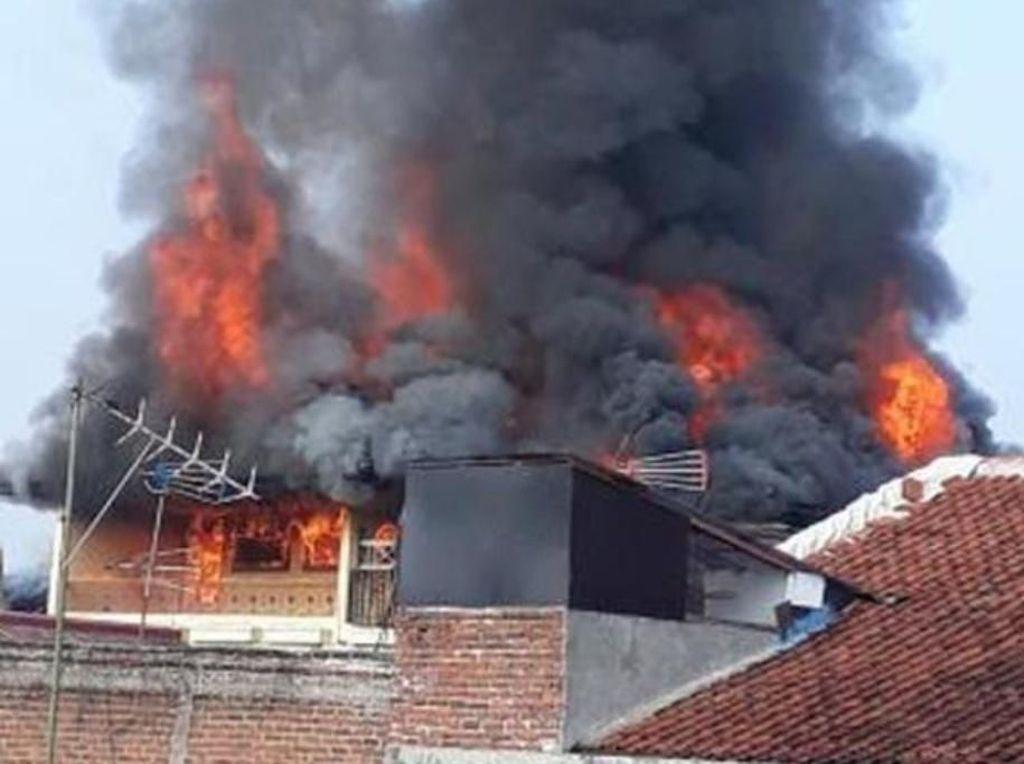 Rumah Mewah Terbakar di Bandung, Pemilik Rugi Rp 2 Miliar