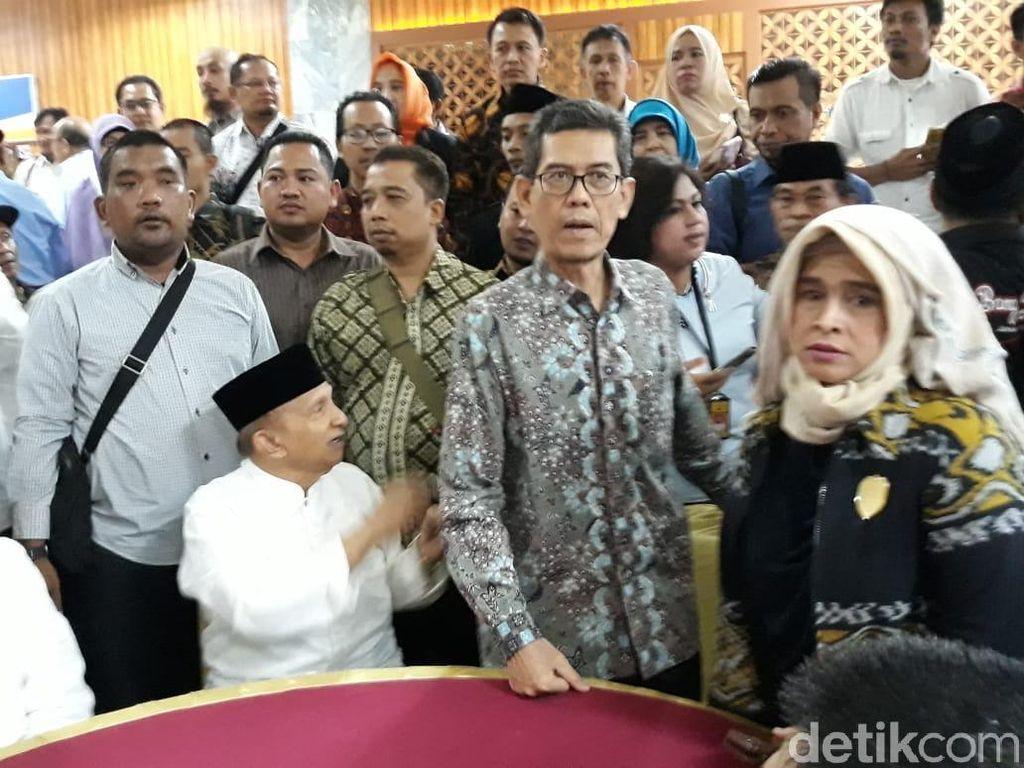 Amien Rais hingga Neno Warisman Diskusi Lesehan di Gedung DPR/MPR