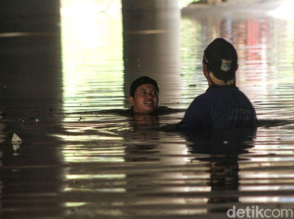 Jakarta Diguyur Hujan Lebat, Underpass Kemayoran Kebanjiran