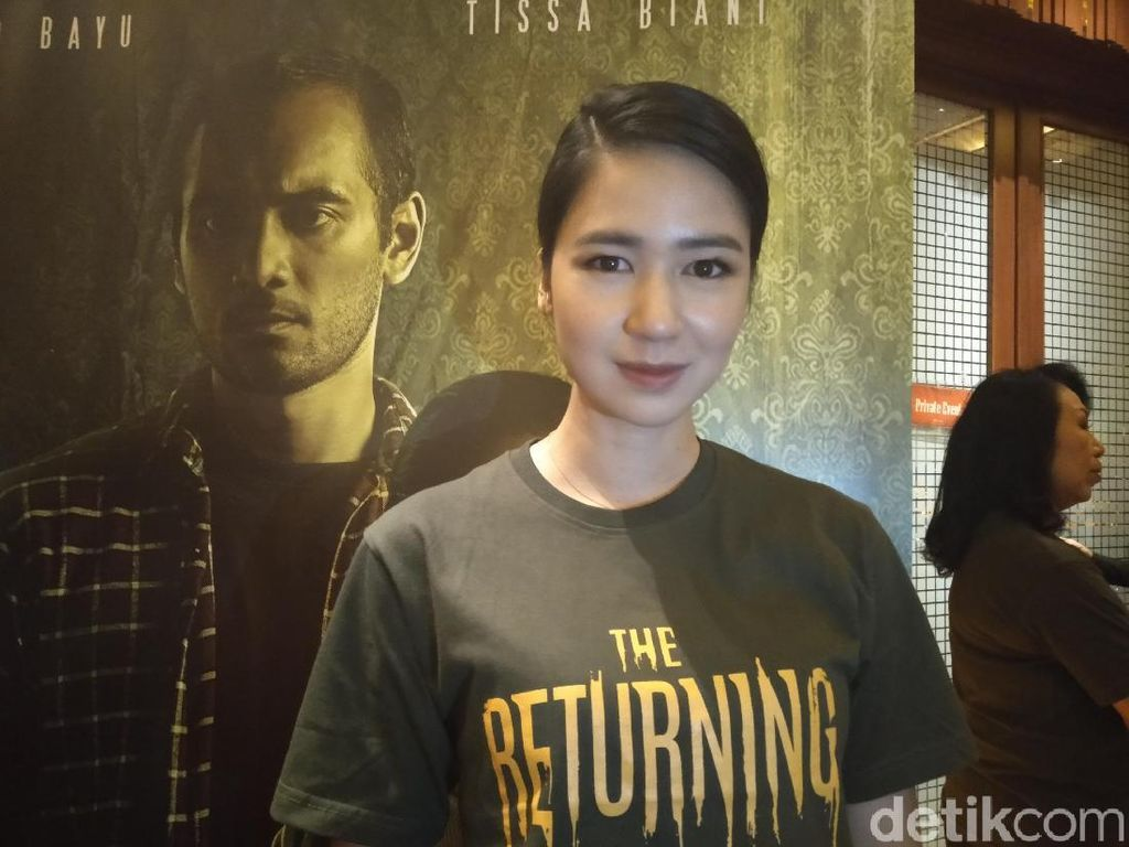 Main The Returning, Laura Basuki Ingin Alami Kejadian Horor