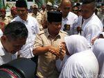 Ketika Prabowo dan Jokowi Menghadapi Emak-emak