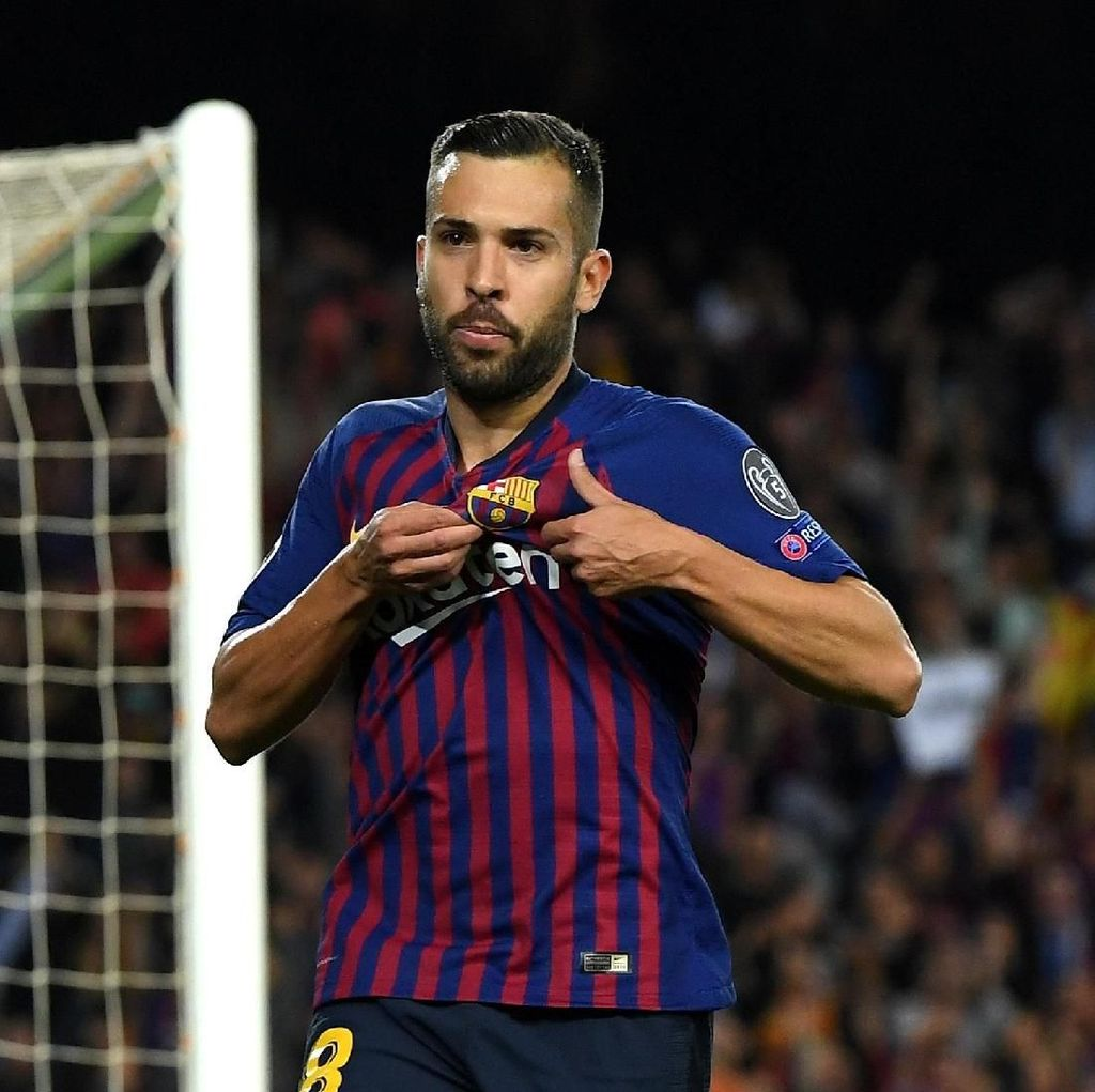 Alba pada Barca: Kontrakku Diperpanjang atau Tidak?
